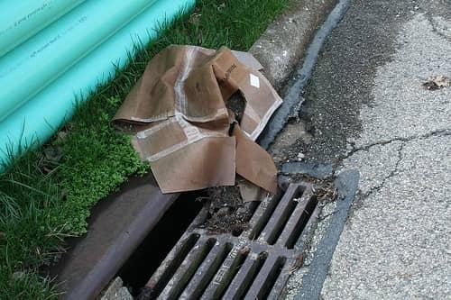 засор ливневой канализации