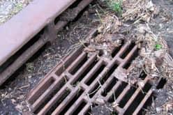 Защита ливневой канализации от засорения с помощью ливневых стоков